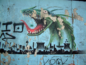 Berlin_wall_dragon